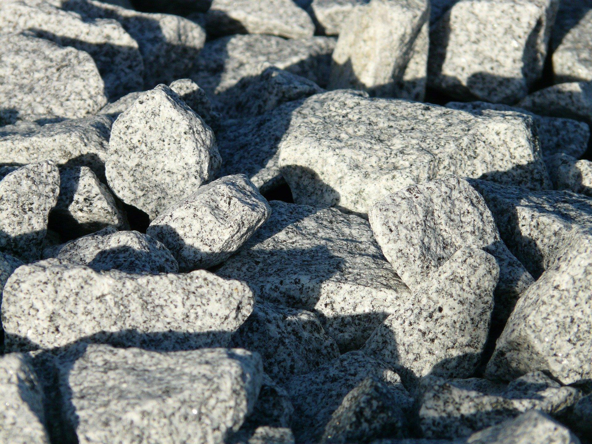 Kamień naturalny jest mocny
